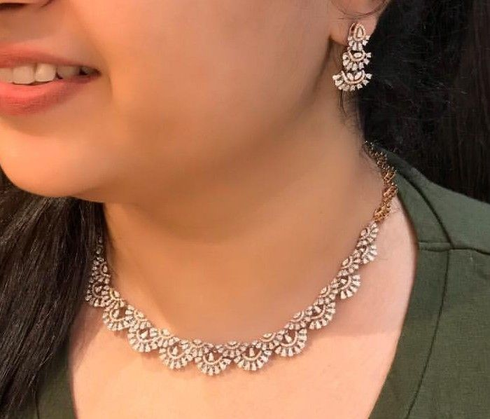 What does it mean to dream about diamond necklace?