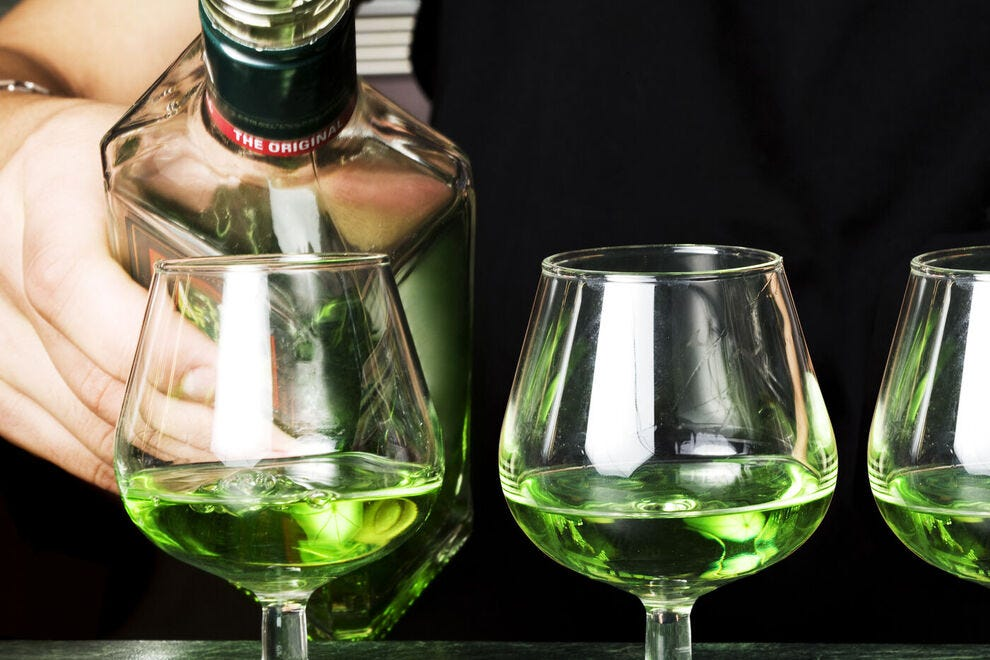 What does it mean to dream about drinking absinthe