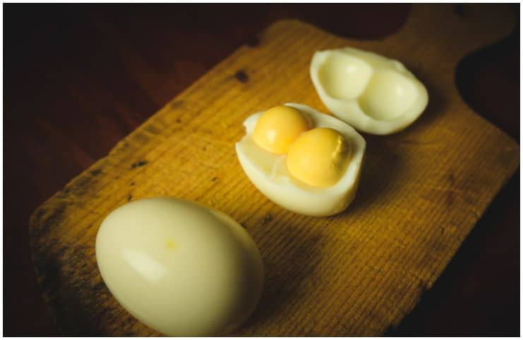 What does it mean to dream about egg yolks?